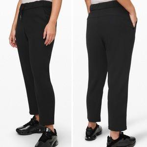 "Lululemon On the Fly Pants black 6 pants 23"""